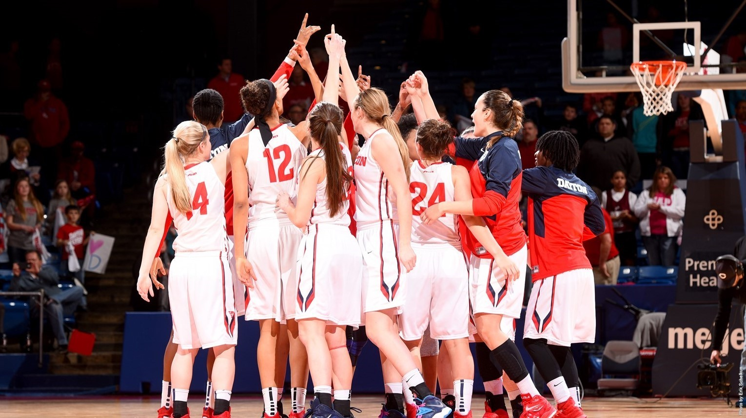 2014-15 Women's Basketball Huddle